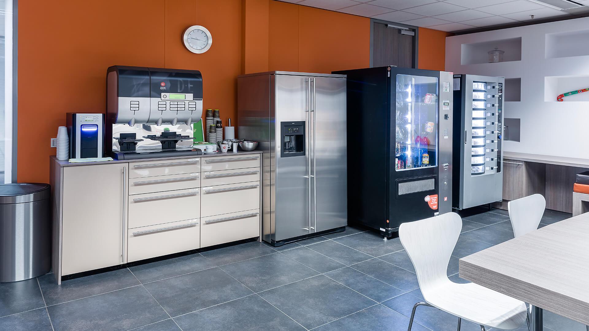 Bribus - Koffie/brood/snoepautomaat