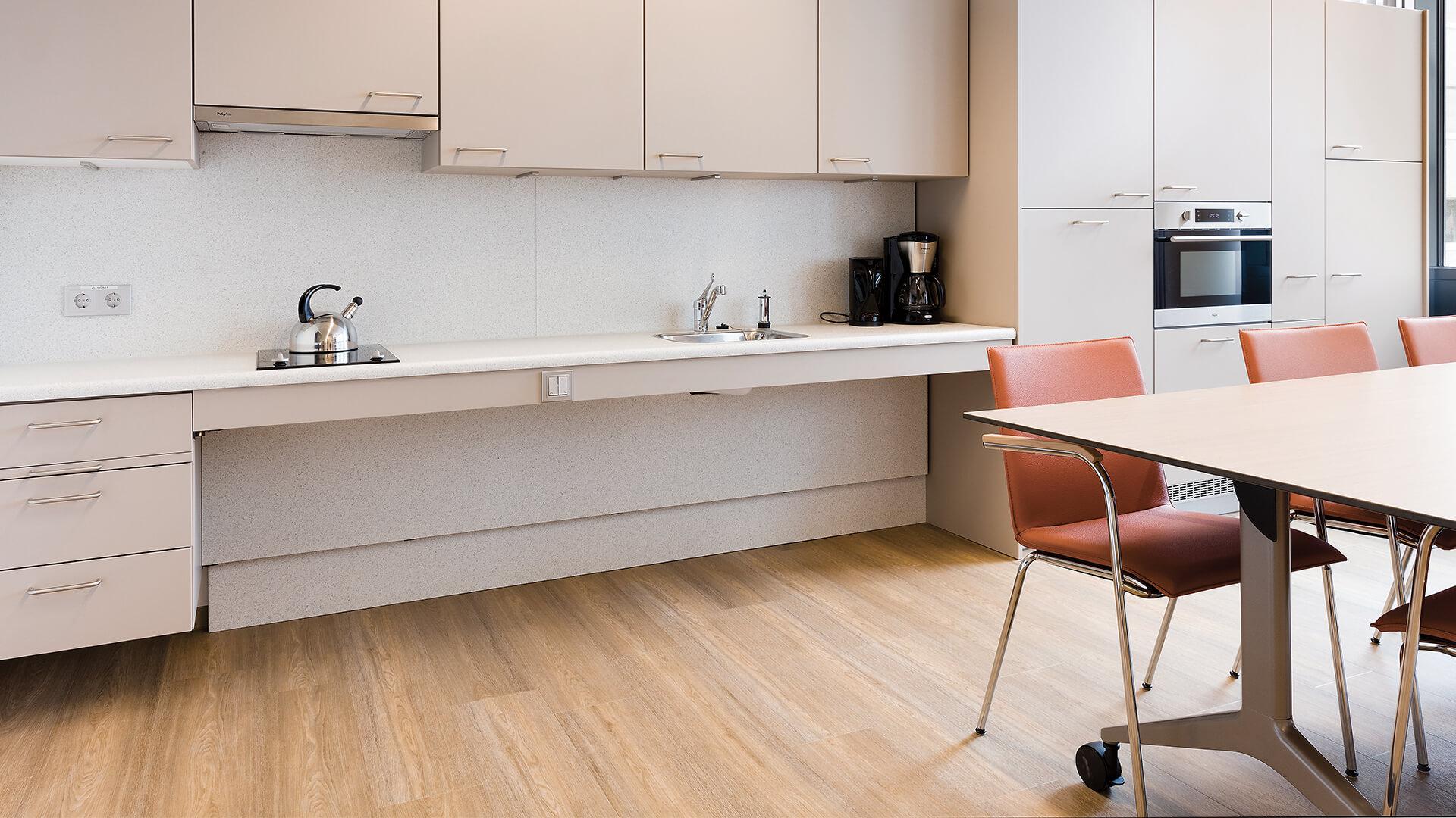 Bribus - Verstelbare keuken voor Antoni van Leeuwenhoek